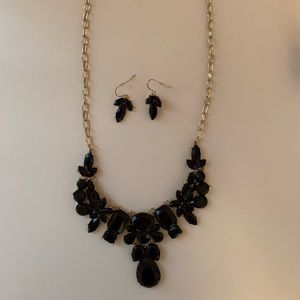Multilevel Statement Necklace w/ matching earrings